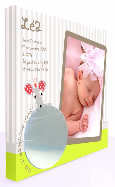 Cadre naissance bébé fille