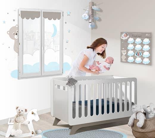 Une déco bébé garçon toute douce avec son ourson et ses nuages