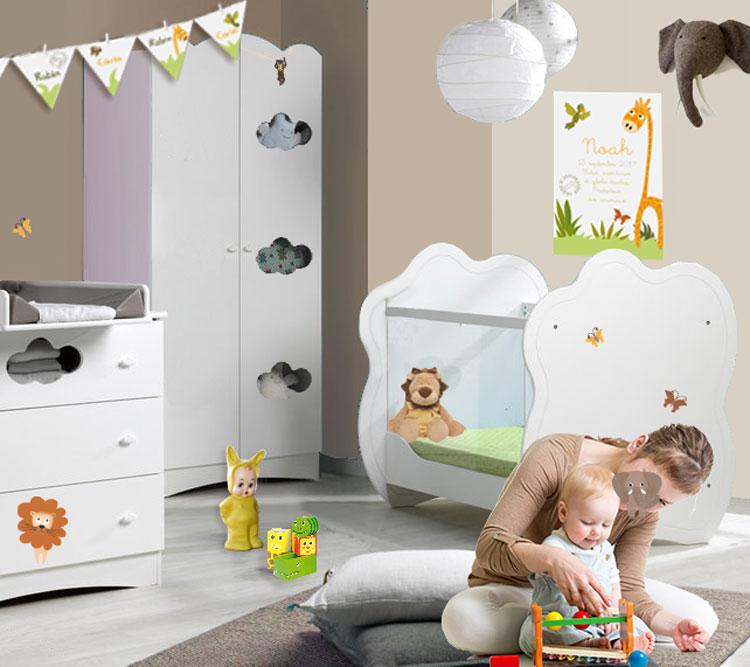 Chambre bébé colorée mixte et ambiance savane avec animaux rigolos