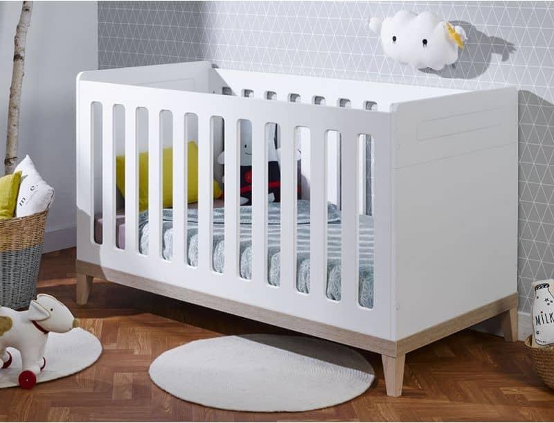 Lit bebe design avec larges barreaux collection NATURE
