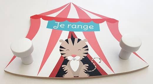 Porte manteau enfant original en forme de chapiteau de cirque