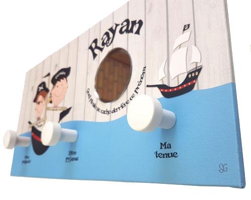 Best seller portemanteau Mer & pirates personnalisé